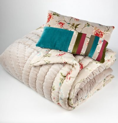 Quilt & Pillows